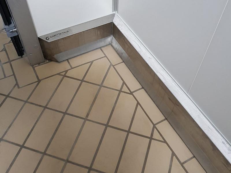 Giaretta Pavimenti - Stainless steel anti-shock wall barriers